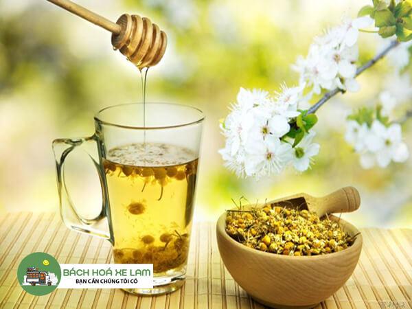 Cách pha trà hoa cúc mật ong với long nhãn