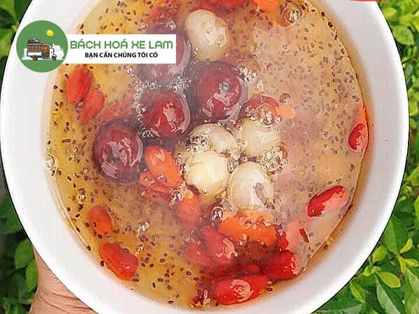 Cách nấu chè hạt sen long nhãn hạt chia